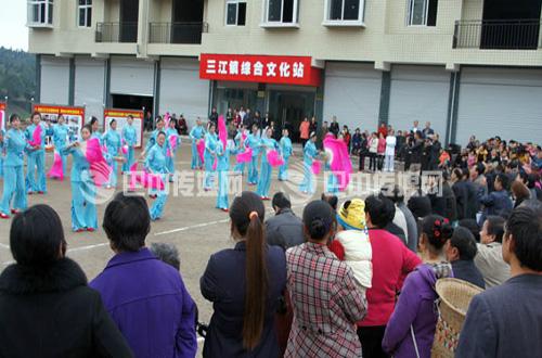 三江镇投资120多万元建成占地面积400平方米的综合文化站