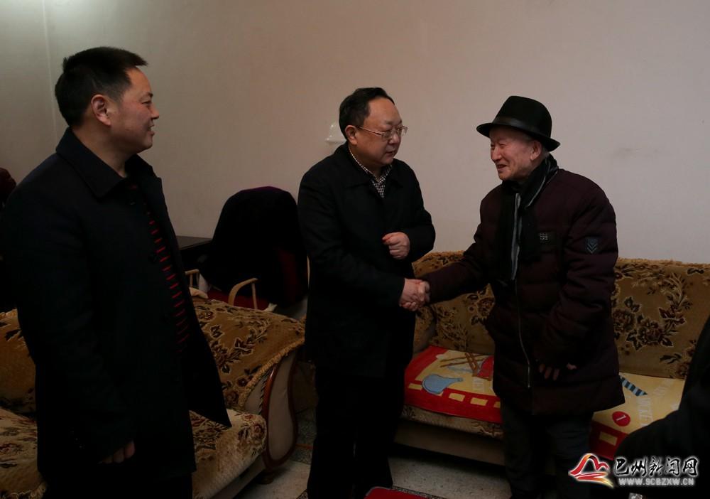区委书记张平阳带队开展2019年春节慰问暨安全生产督促检查工作