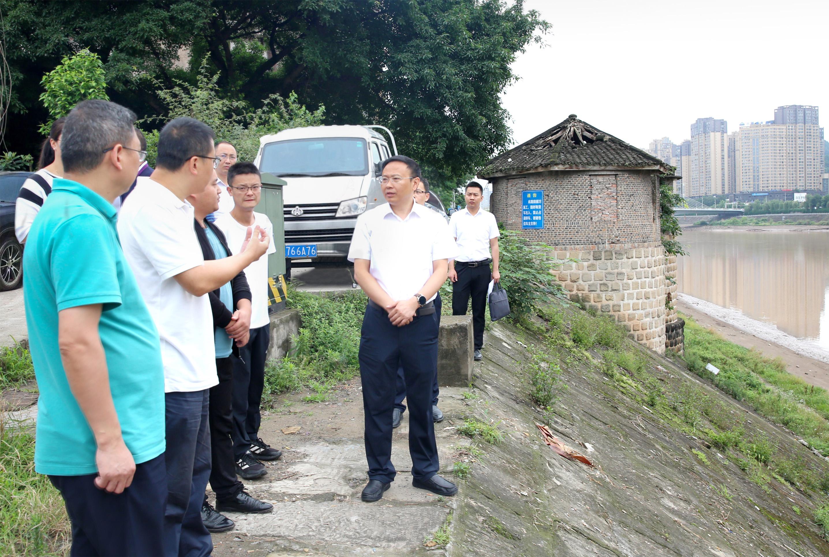 黄俊霖带队调研重难点生态环境问题整改工作